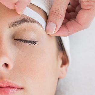 Eyebrow waxing salon / Markita tools